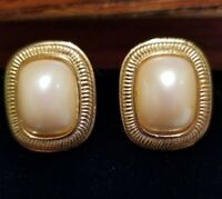 Vintage Signed RICHELIEU Gold Tone Faux Pearl Cabochon Clip On Earrings