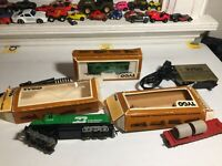 Lot Vintage Tyco Burlington Northern HO Scale Train Engine Caboose Car Skid Flat