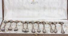 LOT DE 11 PETITES CUILLERES EN METAL ARGENTE - 4 MODELES DIFFERENTS - L. 14,5 cm
