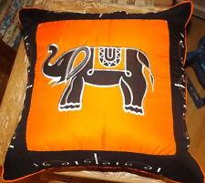 Guarnición para Cojín cm 40x40 de algodón 100 % con elefantes naranja e negro
