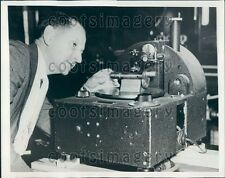 1939 General Electric Employee Works Surface Comparator Schenectady Press Photo