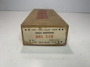 B2 The Silver Streak Line HO Scale Model Trains Great Northern Box Car Kit As Is