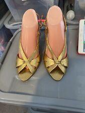Used Gold Open Toe/Peep Toe Sandals Size 8=41