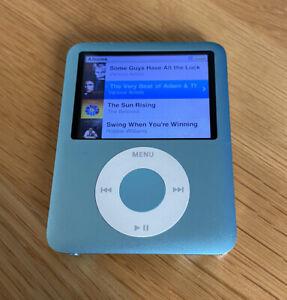 Apple MA978ZP/A iPod Nano 3rd Generation Blue 8GB Player