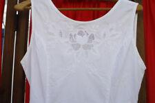 Belle robe blanche brodée en coton T2  taille 38