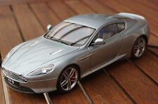 ASTON MARTIN DB9 MIT LED- BELEUCHTUNG(XENON) IN 1:18 TUNING WELLY SILBER