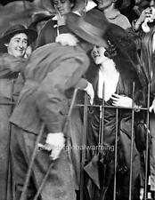 "Photo WW1 Australia ""Injured AIF Soldier Returns Home"""