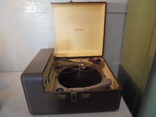 TURNTABLE TURNS, SPEAKER HAS LOUD HUM, NEEDLE IS MISSING, UNTESTED. SEE PICTURES FOR DETAILS. |