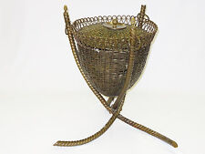 ANTIQUE ARTS & CRAFTS DECORATIVE BRASS & COPPER WEAVE BASKET ON TREE LEG STAND