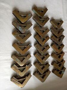 22 x BRASS STAIR CARPET ROD BRACKETS / CLIPS.