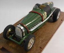 Auto sportive di modellismo statico scala 1:43 verde