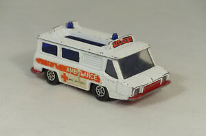 Corgi 700 Motorway High Speed Ambulance Croix Rouge (A3C)