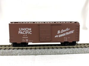 N Scale - Micro-Trains Blue Label #20070 - Union Pacific Rd# 124239 -40' Boxcar