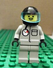 LEGO MINIFGURE–TOWN JR–FIRE–AIR GAUGE, GRAY, BLACK HELMET, VISOR-GENTLY USED