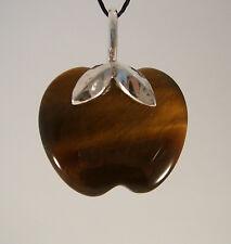 Steinanhänger aus Tigerauge in der Form eines Apfels Schlaufe 925/- Silber