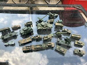 VINTAGE JOB LOT LESNEY BRITAINS AND OTHER MAKES MILITARY SCRAPYARD RESTORATION