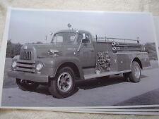 1952 INTERNATIONAL L190 FIRETRUCK  11 X 17  PHOTO /  PICTURE
