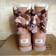 UGG SHORT BAILEY BOW CHESTNUT SUEDE SHEEPSKIN BOOTS SIZE US 5 WOMENS 1002954