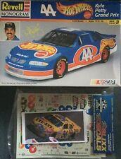 Revell Monogram 85-2524 Ernie Irvan Pontiac Grand Prix 1999 M&M
