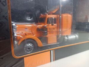 Peterbilt 350 Preston People 1952 1:43 iXO Truck and Trailer TTR003  NEW BOXED