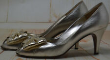 Bruno Magli Silver Bow Detail Slip On Leather Pumps Heels Classics Size 8 AA EUC