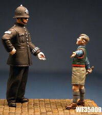 1/35th WWII British Civilian Policeman and Boy Wee Friends WF35009 unpainted kit