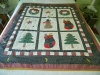 L-21 MACHINE STITCHED, HAND QUILTED COUNTRY CHRISTMAS QUILT / WALL HANGING
