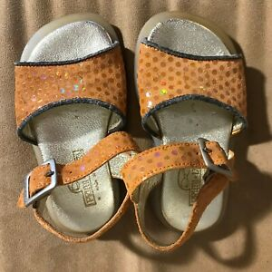 Primi Vezzi Girl's Sandals made in Italy Buckle Copper Brown Sparkle 20 (4.5 US)