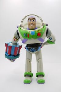 "2002 Battle Buzz Lightyear. Hasbro Toy Story and Beyond 11"" FIGURE DAMAGED"