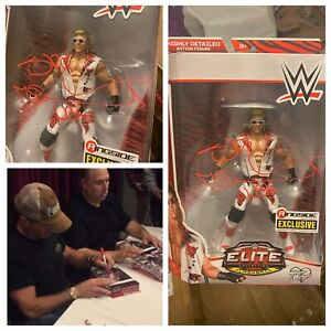 AUTOGRAPHED SHAWN MICHAELS RINGSIDE COLLECTABLES ELITE FIGURE