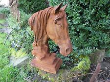 Neu ! Pferdekopf,  Pferdebüste mit Mähne, Skulptur, Pferd Gusseisen, Rostpatina