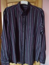 CHEMISE . NOIRE FINES RAYURES BLANCHE ET ROSE FONCE.TAILLE: 43/44