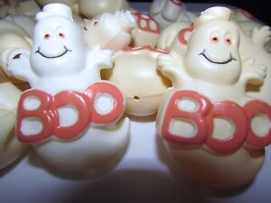 Lot of 30 Vintage Ghost Boo RARE Halloween String Light Covers White Plastic