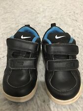 Boys Nike trainers size 22 5.5 navy (bs1)
