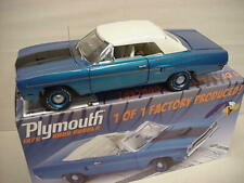 ROAD RUNNER PLYMOUTH BLUE B5 CONVERTIBLE 1OF1 HEMI 1970 GMP LIMITED 1:18 RARE