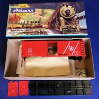 CNJ Central of New Jersey 40' Boxcar Kit / Athearn HO 23252