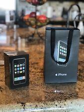 NEW Apple iPhone 1st Generation 2G 8 GB with Bonus Apple Launch day Bag 2007