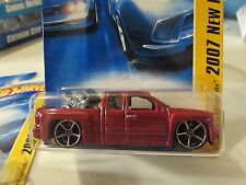 Hot Wheels Chevy Silverado 2007 New Models w/Bike in bed Red