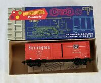 ROUNDHOUSE~#5501~CB & Q (RED)~ 40' BOXCAR #62961~HO SCALE