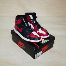 Air Jordan 1 homenaje a casa tamaño 10, caja de representante de segunda mano