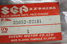 1985-1991 SP600 GSX750 DR650 SUZUKI (SB22) NOS OEM 35652-02181 TURN SIGNAL LENS