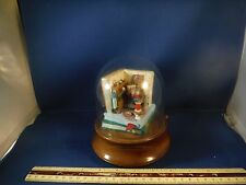 """RARE Enesco Glass Domed Artist Mouse """"Everything Is Beautiful"""" Music Box"""