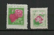 Timbres, provenance Vietnam, sur fleurs