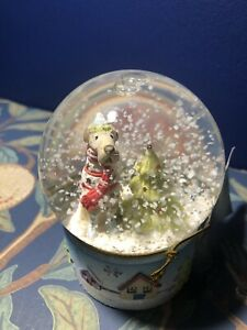 Gisela Graham Small Christmas Dog With Xmas Tree Snowglobe - Novelty Home Dec