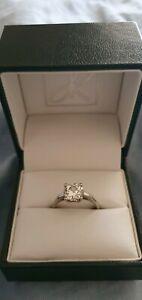 1.6ct cushion cut diamond engagement ring in platinum