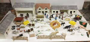 VINTAGE WOODEN FARM YARD BUILDINGS / BRITAINS MIXED FARM ANIMALS ETC