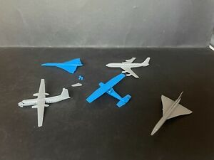 CEREAL TOY R&L AIRPORT LOT OF 5 PLANES - NOT COMPLETE