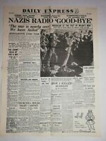 N1216 La Une Du Journal Daily Express may 1  1945 nazis radio good-bye