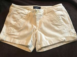 American Eagle ~ Women's Stretch Cream White Low Rise Shortie Shorts ~ Size 2