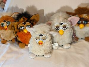 Vintage Furby Lot #2, 5 total, 1 Furby baby, 4 1998 Furbies, as-is